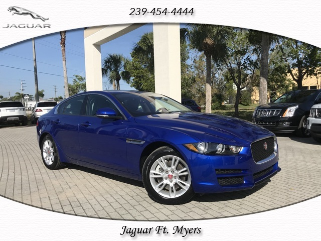 New 2017 Jaguar XE 25t Premium RWD 4D Sedan
